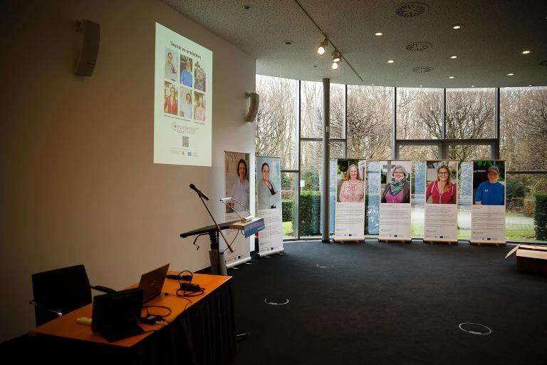 Ausstellung Talente zu entdecken - Fotoausstellung zum Thema Inklusion im Arbeitsmarkt