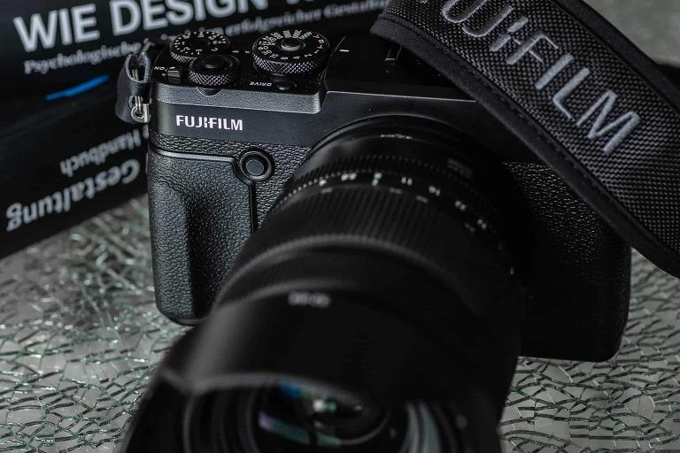 Klein, aber Oho, digitale Mittelformatkamera von Fuji - GFX50R