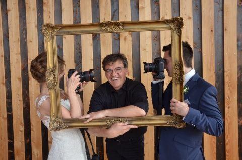 Hochzeitsfotograf Plan B mal vor der Kamera der Brautleute